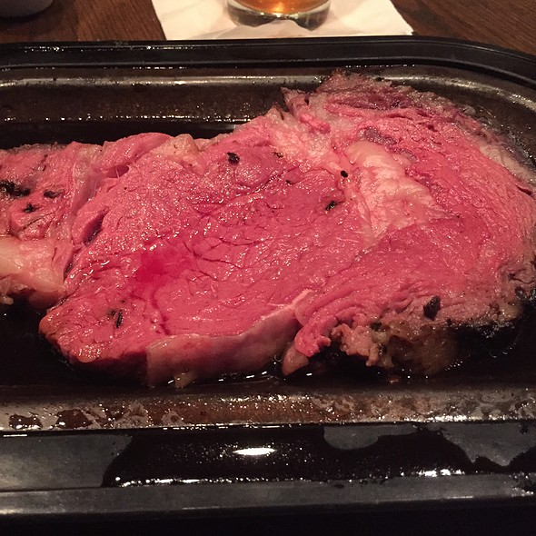 Prime Rib.  - Hereford House - Zona Rosa, Kansas City, MO