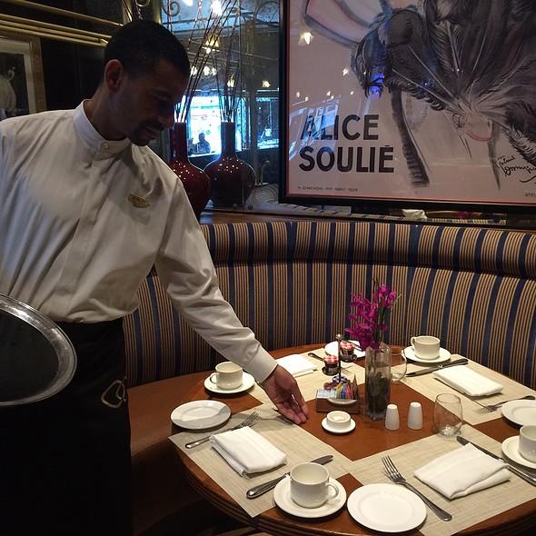 Luxury Service - Chez Colette - Sofitel Philadelphia, Philadelphia, PA