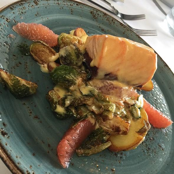 Salmon - Cafe Del Rey, Marina Del Rey, CA