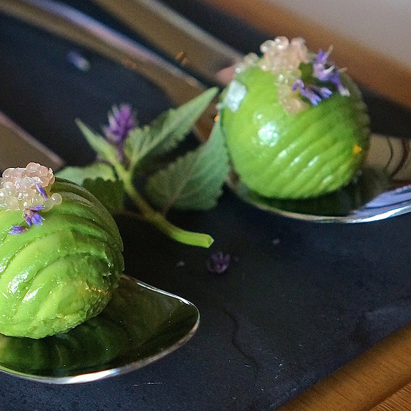Avocado Dungeness crab domes with finger lime - Bourbon Steak Monarch Beach, Dana Point, CA