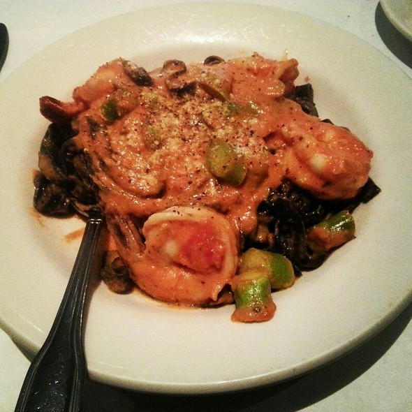 Black Linguine With Shrimp In Pink Cream Sauce - Cucina di Pesce, New York, NY