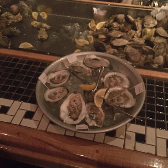 Fresh raw oysters - Lento, Rochester, NY