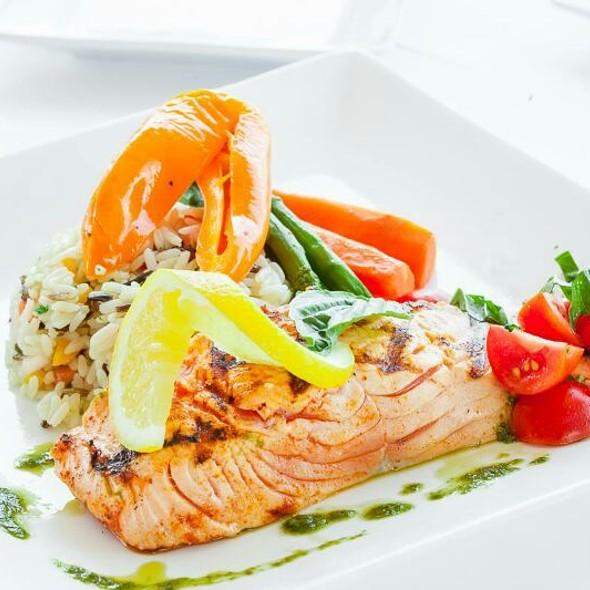 Salmon - Restaurant l'Academie-Crescent, Montréal, QC
