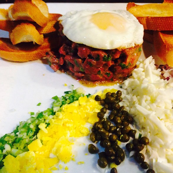 steak tartare - entre nous bistro, North Palm Beach, FL