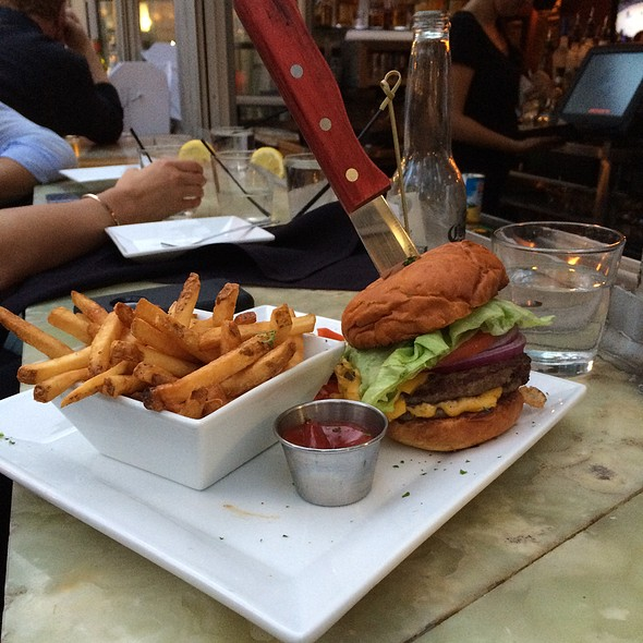 Bridge House Burger - Bridge House Tavern, Chicago, IL
