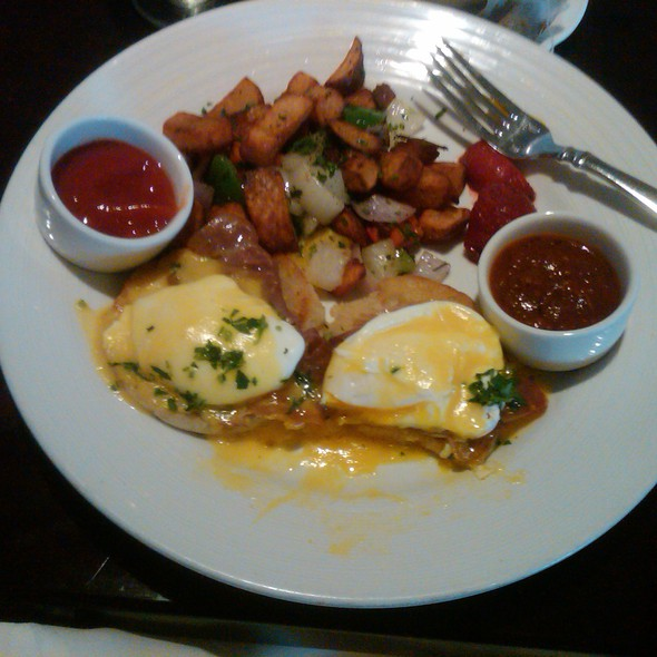 Ojai Eggs Benedict - The Oak - Ojai Valley Inn, Ojai, CA