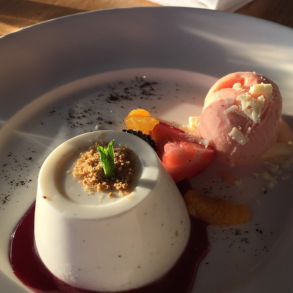 Panna Cotta - Moonraker, Pacifica, CA