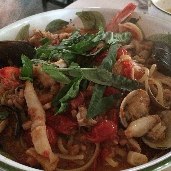 Seafood Linguini - Ivy at the Shore, Santa Monica, CA