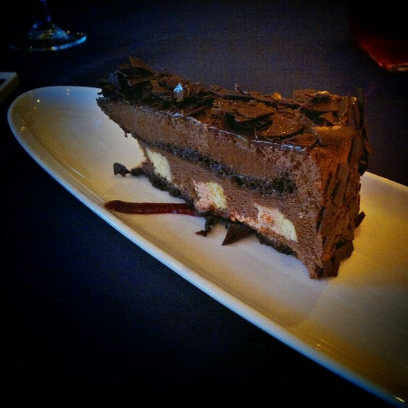 Chocolate Sensation - Carver's Steak House - Executive Airport Plaza Hotel, Richmond, BC