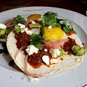 Mexicain Breakfast - Le Chien Fumant, Montréal, QC