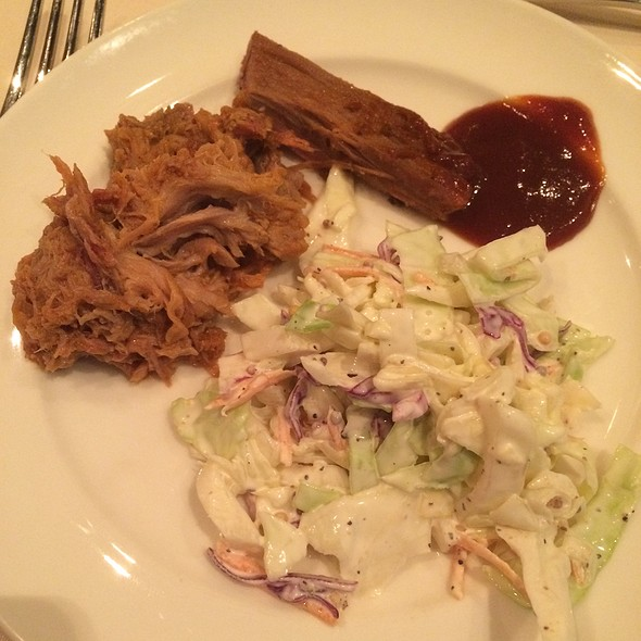 Bbq Pulled Pork, Brisket And Slaw - Major Neighbors at the Hyatt Regency Lost Pines, Cedar Creek, TX