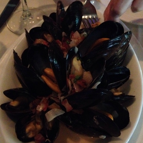 Steamed Canadian Mussels - Edge, Bethlehem, PA