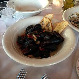 Steamed Mussels - Maggiano's - Las Vegas, Las Vegas, NV