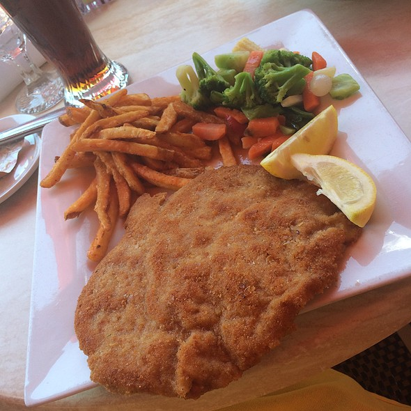 Weinerschnitzel - Pepi's Restaurant & Bar, Vail, CO