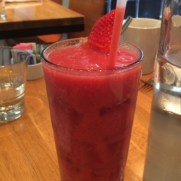 Watermelon Strawberry Cooler - Kingsbury Street Cafe, Chicago, IL