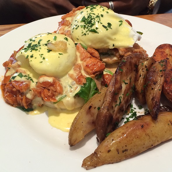 Pulled Pork Benedict - Kingsbury Street Cafe, Chicago, IL