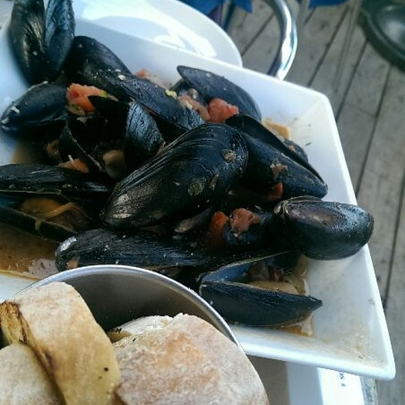 Bucket Of Mussels - Sea Level, Ft. Lauderdale, FL