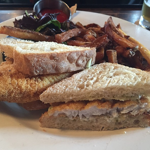 catfish sandwich - Jack's Firehouse, Philadelphia, PA