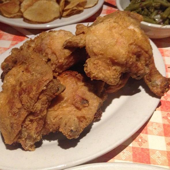 Fried Chicken Kansas City Man Vs Food