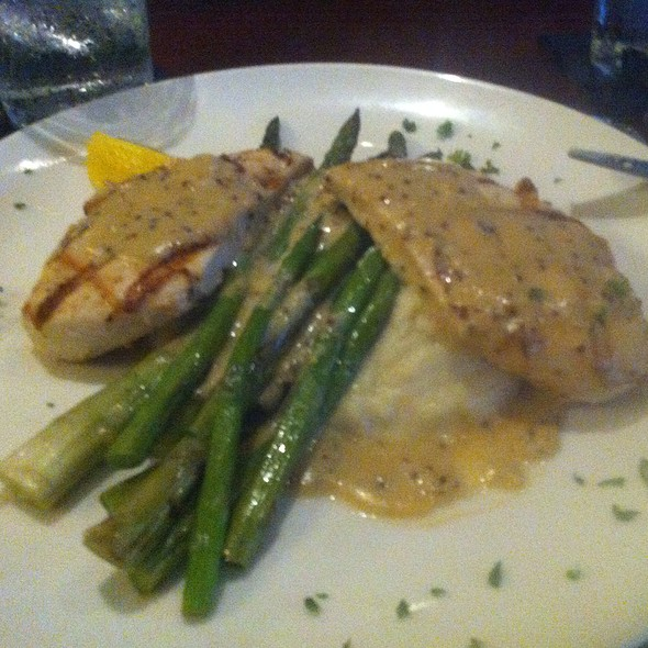 Chicken Chardonnay - EdgeWild Restaurant & Winery, Chesterfield, MO