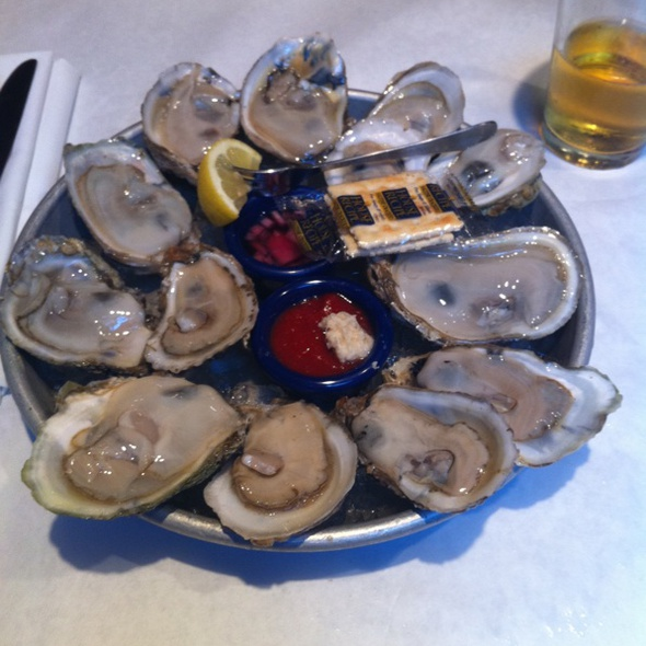 Bluepoint Oysters - J. Paul's - Georgetown, Washington, DC