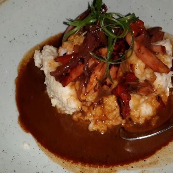 Shrimps and grits - Yardbird Southern Table & Bar, Miami Beach, FL