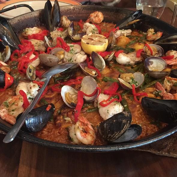 Paella de Mariscos: Seafood paella. - Barraca, New York, NY