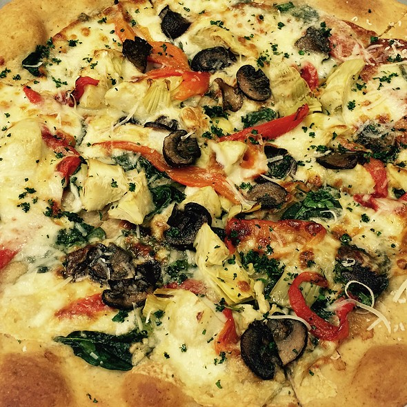 Meditteranean Pizza - Capri Seaside Italian Grille, Salisbury, MA