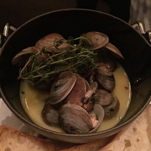 Littleneck clams - Aquaknox, Las Vegas, NV