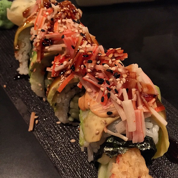 Green Dragon Roll - Parallax Restaurant & Lounge, Cleveland, OH