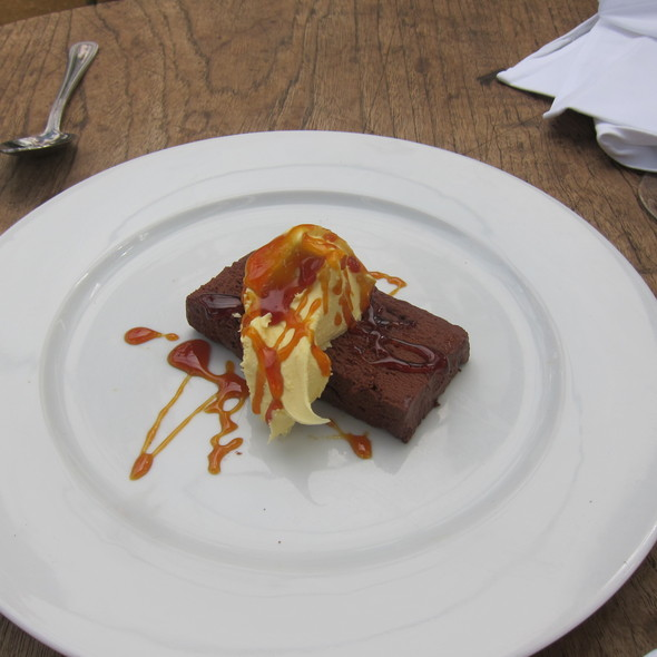Chocolate slab with ginger caramel - Petersham Nurseries Cafe, Richmond, Greater London