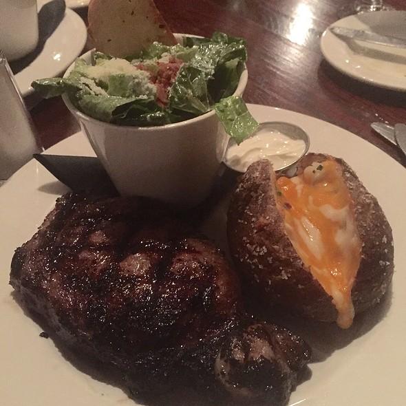 Steaks - Quinn's Steakhouse & Irish Bar, Toronto, ON