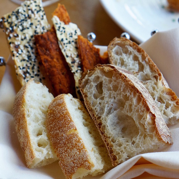 Bread basket – sourdough, paprika and sesame crackers - Allred's Restaurant, Telluride, CO