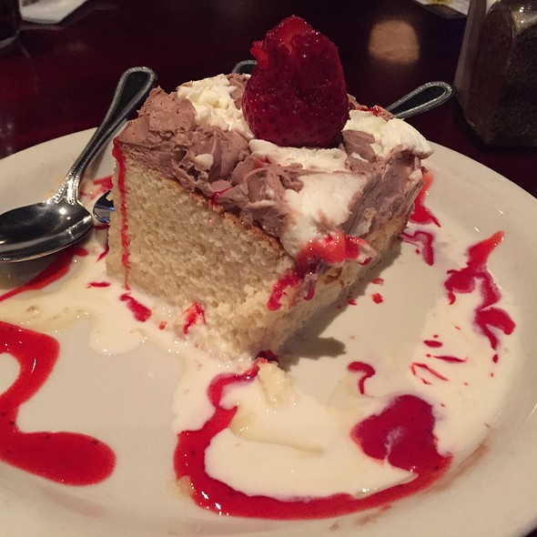 Tarta Tres Leches - Birraporetti's, Houston, TX