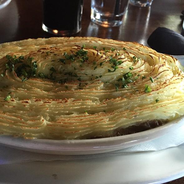 Shepherd's Pie - de Vere's Irish Pub - Davis, Davis, CA
