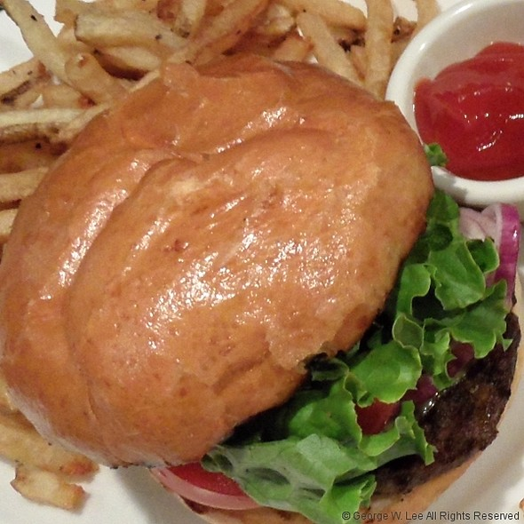 Hamburger And Fries - Stanford's - Lloyd Center, Portland, OR