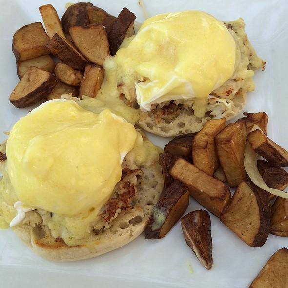 Crab Cake Eggs Benedict - Bourbon Blue, Philadelphia, PA