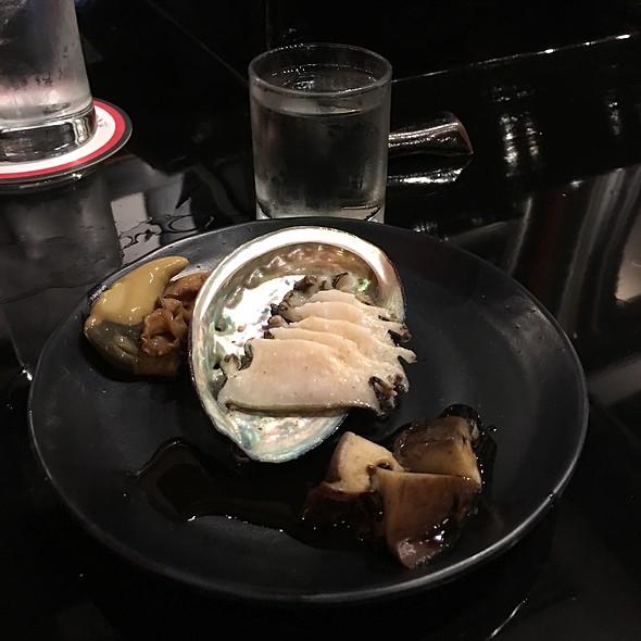 Abalone Sashimi & Liver - Sushi Sasabune Hawaii, Honolulu, HI