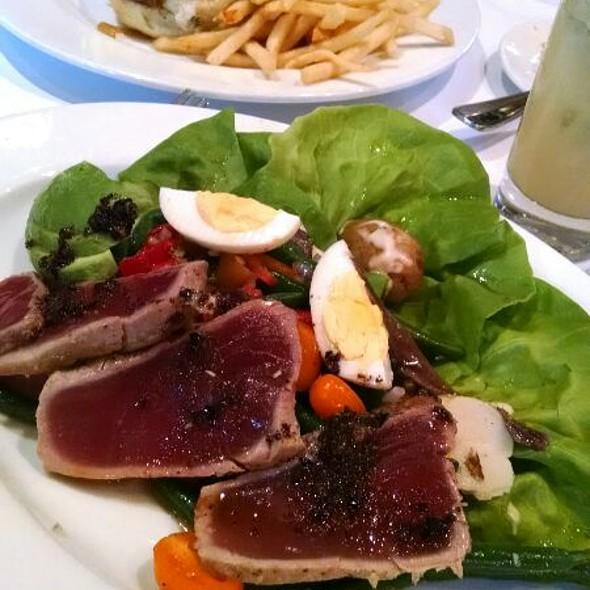Niçoise salad - Left Bank Santana Row, San Jose, CA