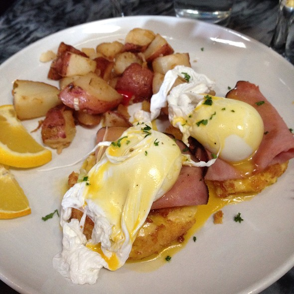 Gluten Free Eggs Benedict With Ham - Triptych, San Francisco, CA