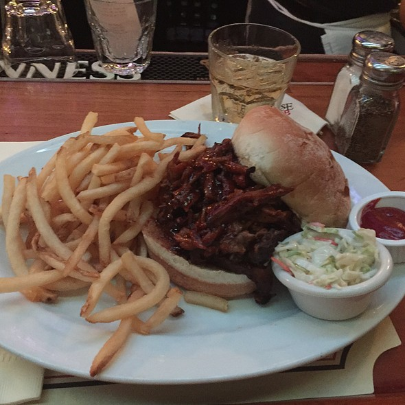 Pulled Pork Sandwhich - The Black Horse Tavern, Mendham, NJ