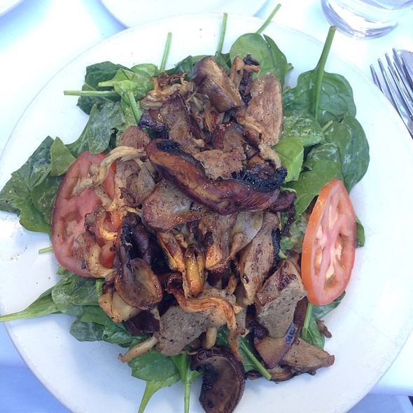 Duck Breast And Spinach Salad - Off Vine, Hollywood, CA