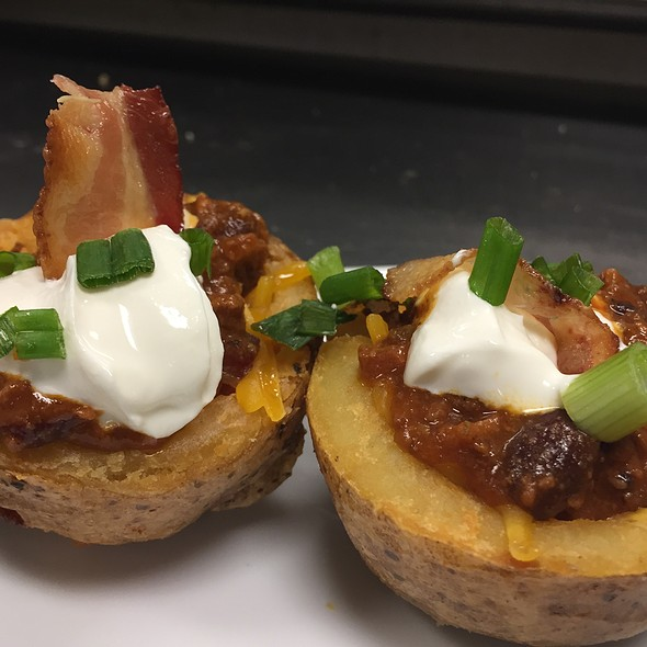 Chili Cheese Potato Skins - Nevin's Brewing Company, Plainfield, IL