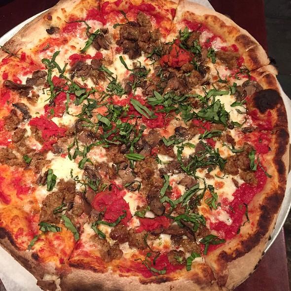 Pizza - Graziano's - Chicago, Niles, IL