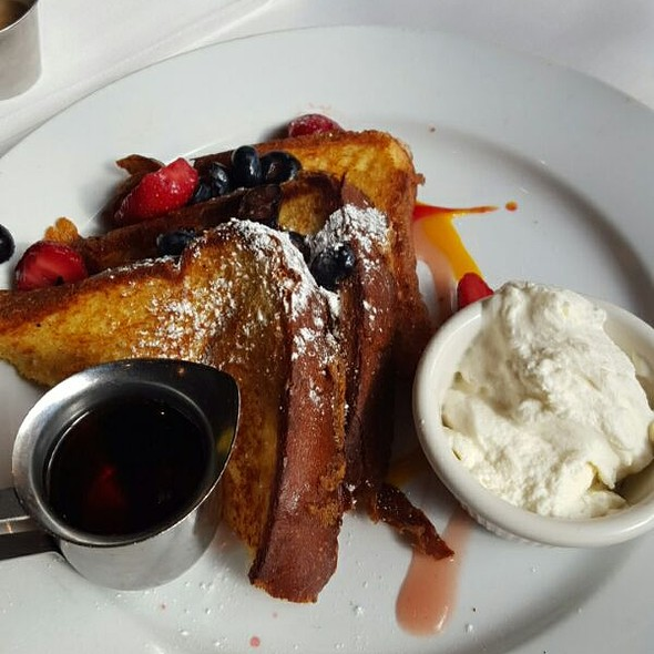 French Toast - benjy's upper washington, Houston, TX