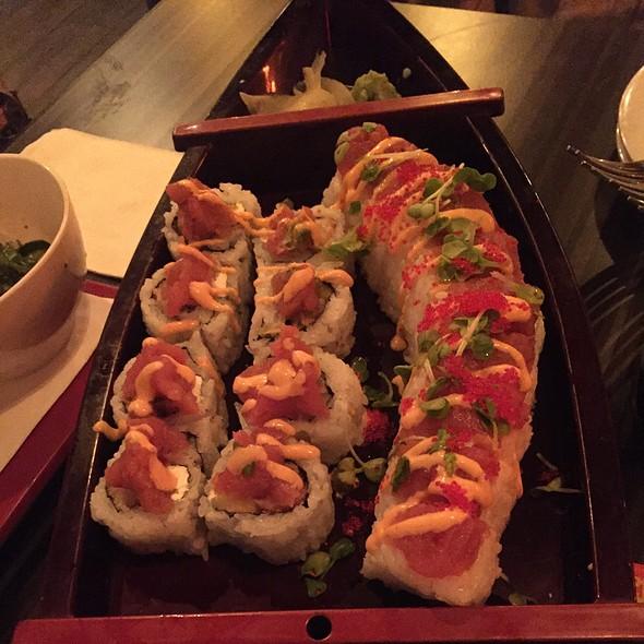 Sushi Boat - Ciccio's / Water, Tampa, FL