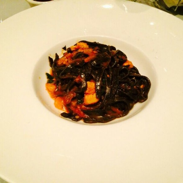 Black Ink Squid Tagliolini With Fresh Lobster - Etcetera Etcetera, New York, NY