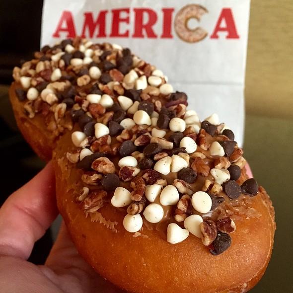 Monkey See Monkey Donut - America Restaurant - NYNY Hotel and Casino, Las Vegas, NV