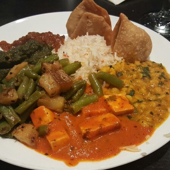 Vegetarian Buffet Plate - Bombay Tandoor, Vienna, VA