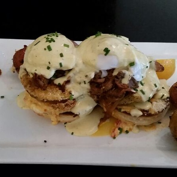 Bbq Pork Benedict - The Porch Restaurant & Bar - Sacramento, Sacramento, CA